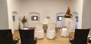 Das Reliefzimmer fertig geschmückt für eine Trauung
